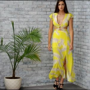 Dresses & Skirts - 🌻Coming Soon🌻 Cut Out O Ring Maxi Dress💐